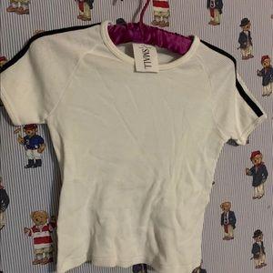 Tops - 🌹👍NWT white misfit length shirt by John galt🌹👍